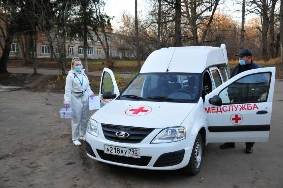 В Озерской ЦРБ появился новый санитарный автомобиль