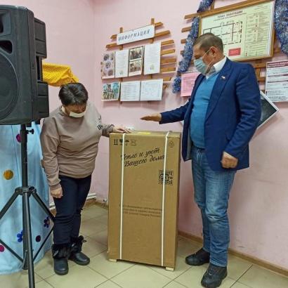 Сельские клубы в Озёрах получили новое оборудование