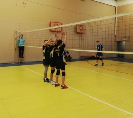 Коломенские волейболисты выиграли у Ивантеевки