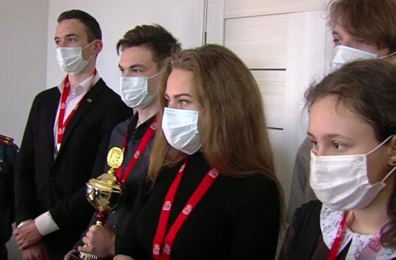 Ребята из Радужненской и Пановской школ сдали важный экзамен в Школе безопасности