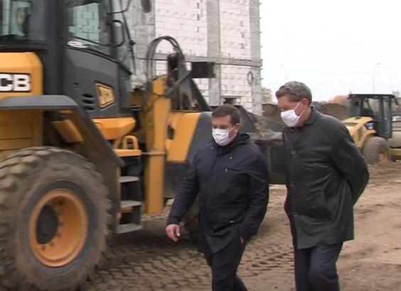 В Луховицах побывал министр строительного комплекса региона
