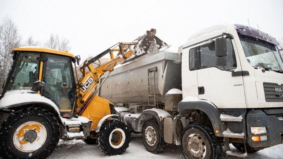 Снег с подмосковных дорог вывезут к 18 февраля